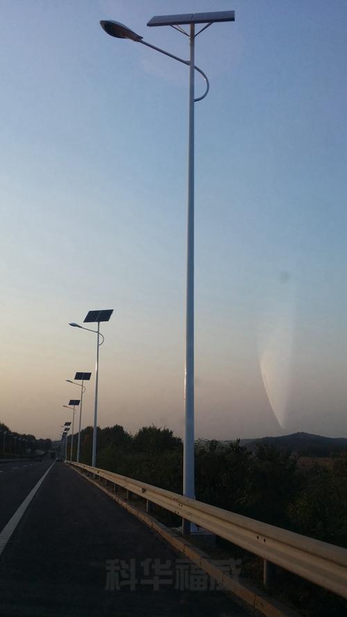 路灯杆 (1)